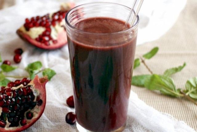 Pomegranate And Kale Detox